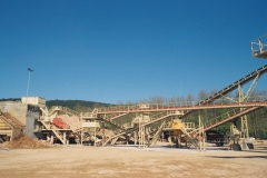 ALQUEZAR  trituracion Aridos